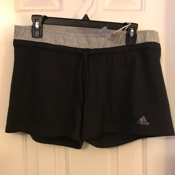 adidas Pants - Adidas Stretchy Active Sport Shorts Size Large NWT